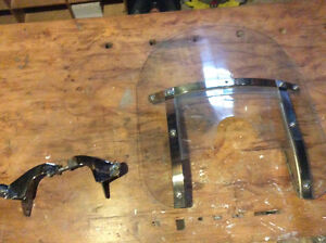 Windscreen and mounting hardware for springer frontend