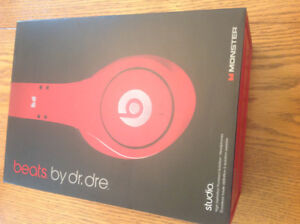 red beats studio headphones with wire from dr dre