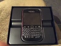 Blackberry Bold 9900 unlocked,Boxed in very good condition.