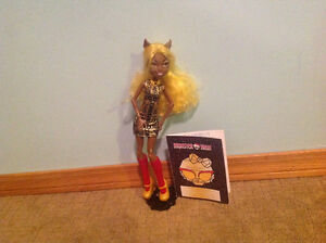 Clawdia wolf monster high doll