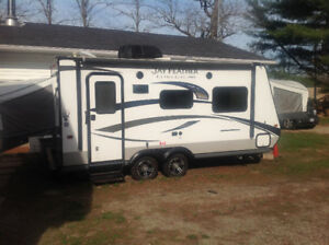 2015 19ft Jay Feather Lite Hybird Trailer