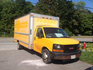 2007 GMC Cube van moving storage truck yellow