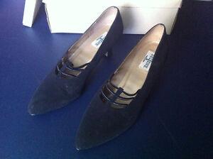Nicol, Selene Shoes Pumps Satin Sueded Oakville / Halton Region Toronto (GTA) image 3