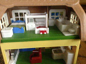 STEP 2 DOLLHOUSE WHIT SOUNDS MUSIC WHITH BUILT IN FURNITURE Gatineau Ottawa / Gatineau Area image 2