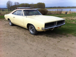 Original paint 69 Charger SE