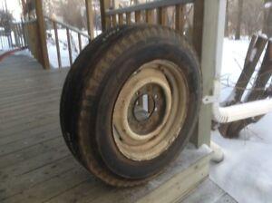Truck Wheel & Tire