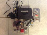 N64 w/2 Controllers, 2 Memory Cards and 3 Games!
