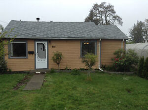 Central Nanaimo House for Rent