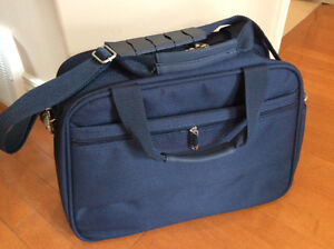 NEW SAMSONITE carrying Luggage TOTE Many pockets.BEST QUALITY