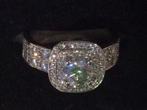 Exquisite ladies diamond ring