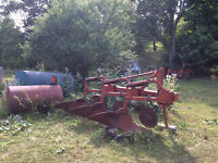 3-FURROW PLOW WITH AUTOMATIC TRIP