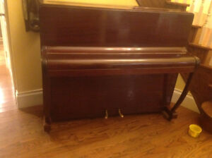 Looking for information on vintage Eavestaff upright piano