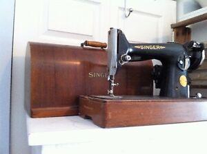 Antiquité - Machine à coudre Singer