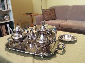 Oneida silverware pieces