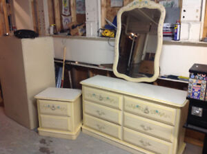 DRESSER MIRROR AND MATCHING NIGHT TABLE