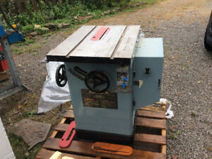 Delta table saw/unisaw