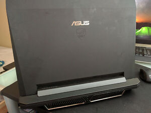 ASUS Republic of Gamers Gaming Laptop 17""