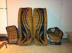 Vaughn Retro California Tan Pads 35+2 and Gloves