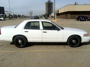 2010 Ford Crown Victoria Sedan P71 Police Interceptor