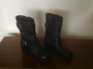 Authentic Harley Women's Riding Boots Size 7