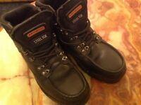 TROJAN SAFETY BOOTS BLACK. LIKE NEW UK 9. EUR 43