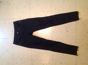 Women's black H&M ripped jeans (size small)