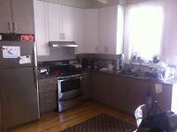 AVAILABLE NOW ! 3 bedrooms Mile End (Parc - Bernard)