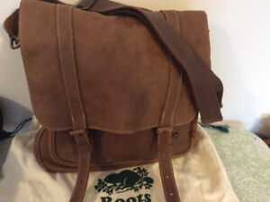 Roots Tribe Leather messenger bag.