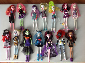JOUET POUPÉE MONSTER HIGH , BRATZ ET BARBIE