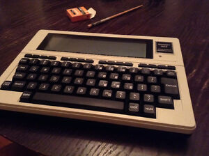 TANDY 102 - 80s vintage, for collectors only - NEW condition!