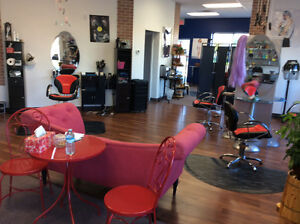 Rent small room in a beauty salon