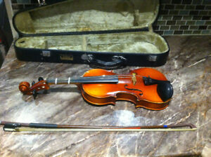 Suzuki Violins 1\4 & 1\2