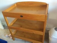 ***Baby Weaver Clara Dresser Changing Station - In Great Condition ***