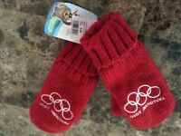 Vancouver 2010 Red Mittens - S/M - NEW