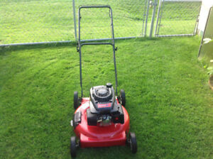 Poulan xt lawnmower