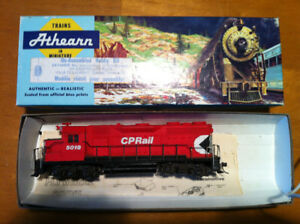 HO CP RAIL GP35 DIESEL LOCOMOTIVE # 5019 BY ATHERN TRAINS