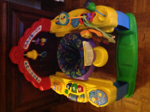 Fisher price INTELLITAINER. For your baby to have lots of fun!