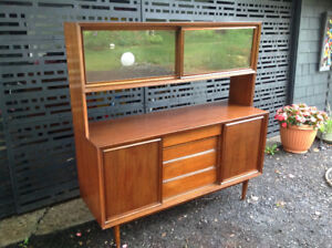 Vintage Canadian Honderich Walnut Buffet And Hutch