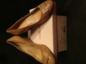 COACH HIGH HEEELS/SHOES 99.99$. ONLY shipping 20$ Brand New