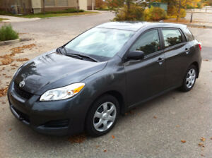 2010 Toyota Matrix Base - New Tires Low Mileage Auto