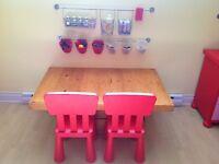 Table basse / bureau en bois pour enfant