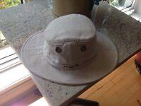 Chapeau TILLEY comme neuf gr;7.5/ Tylee hat