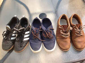 3 PAIRS SHOES