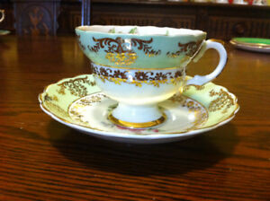 Fine Bone China Teacup & Saucer