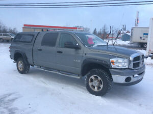 2008 Dodge 1500  4x4 ,mega cab,all 3/4 options ,5.7 Hemi,$9250