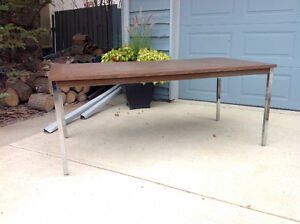 Great Craft, Sewing, Hobby or Work Table