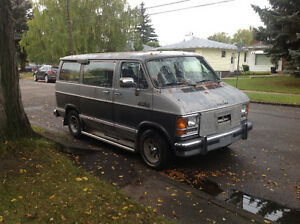 1988 Dodge Shorty Window Van Low Km