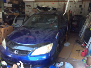 2004 Honda Civic Dx Coupe 400 obo parts only.