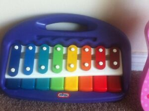 Mini Mouse guitar and xylophone - musical toys