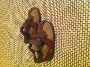 Nike baby shoes size 5